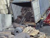 Container devanning